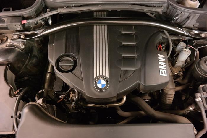 Bilmotor med turbo